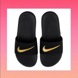 😍 NEW NIKE Kawa Kids Slides Black Gold Sandals